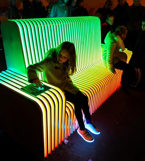 High-tech bench from Fontys students to light festival in London